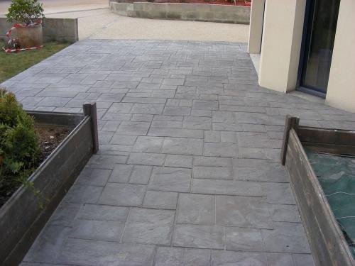 beton exterieur decoratif trendy elegant terrasse beton nos conseils peinture beton exterieur. Black Bedroom Furniture Sets. Home Design Ideas